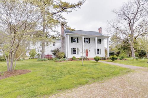 Featured Property in GLOUCESTER, VA, 23061