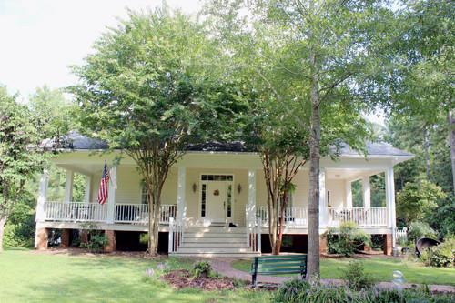 Home Listing at 2035 Cartersville Road, GOOCHLAND, VA