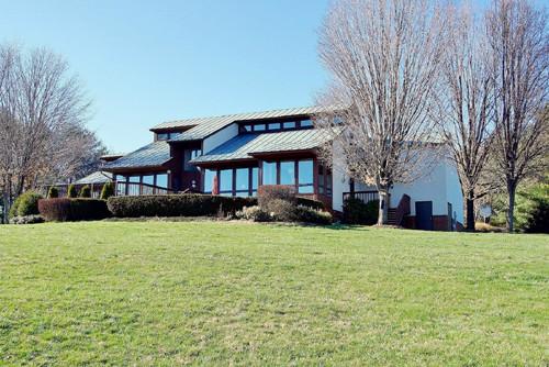 Real Estate for Sale, ListingId: 33512827, Waynesboro,VA22980